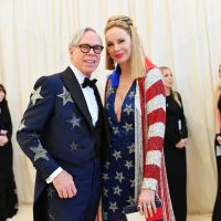 Tommy Hilfiger Sells Eccentric Florida Maison With Scratch - And - Sniff Wallpaper